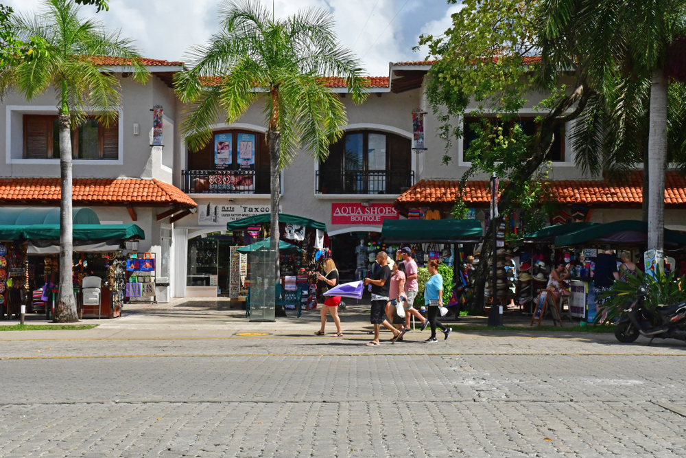 shopping-in-playa-del-carmen-a-quick-guide-playacar