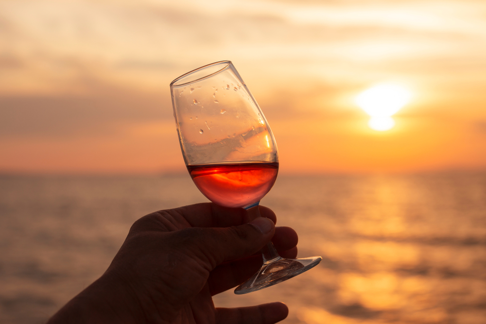 where-to-watch-a-sunset-in-playa-del-carmen-wine